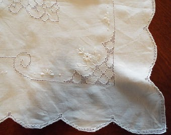 Vintage White Linen Cottage Style Cut Work Embroidered Square Tablecloth With Scalloped Crocheted Lace Edges