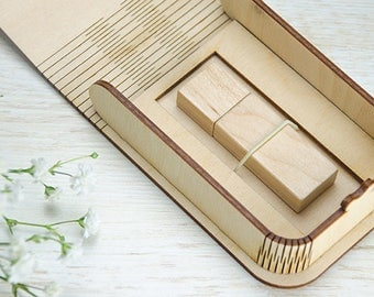 Natural USB box for USB packaging with a exclusively laser-produced bended lid