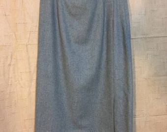 2 Dollar Sale*Vintage Evan Picone Skirt 1960s Gray Wool SM Medium Pencil School Teacher Retro Classic Solid Color Gift for Her Mother Wife