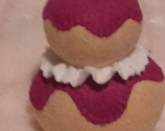 pastry filled with purple felt to play the Dinette