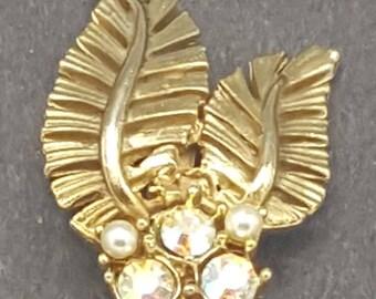 Vintage Gold Leaf and Pearl Brooch