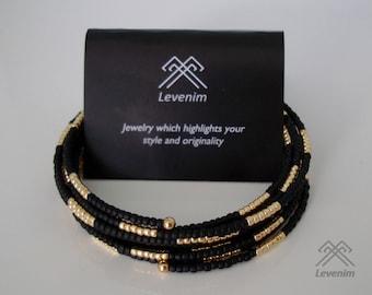 Memory wire bracelet.