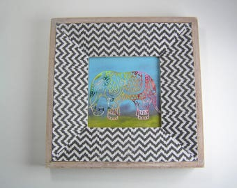 Elephant picture in rustic frame