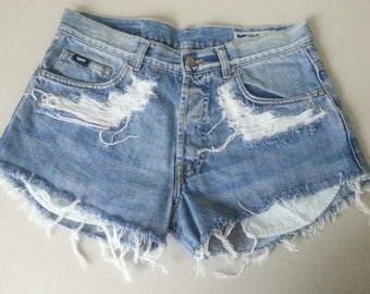 High waisted Denim Shorts Destroyed Ripped Jeans Vintage Cut Off Grunge Rock n Roll Summer Festival Style Boho Look Size W31