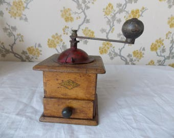 Vintage French Coffee/Pepper Wooden Grinder