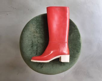 Red rubber boots, 35