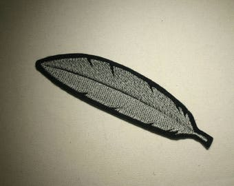 Feather ~ Embroidered IronOn SewOn Patch