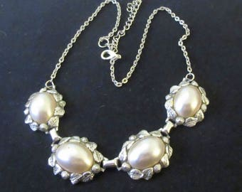 Vintage Ornate Faux Pearl Necklace in Silver Tone