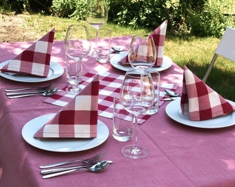 2 cloth napkins with Dekosaum, red and white checkered
