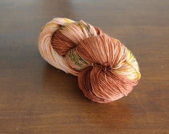 Handdyed yarn, sock yarn, fingering weight, yarn, socksanity, socksanity Ares, brown, mustard, beige, yellow, orange
