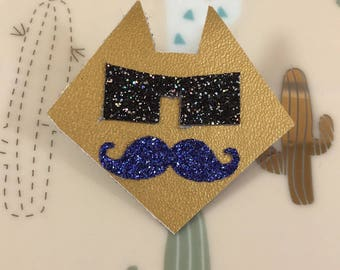 Golden head brooch cat with moustache and glasses