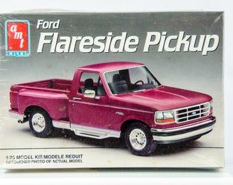 Sealed Vintage AMT Ford Flareside F-150 Pickup Truck 1/25 Model Car