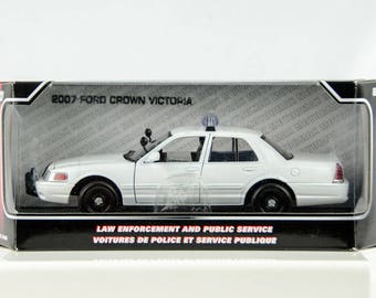 2007 Ford Crown Victoria Law Enforcement & Public Service 1/24 Diecast Motor Max