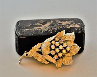 1950's Rhinestone and Gold Flower Pin