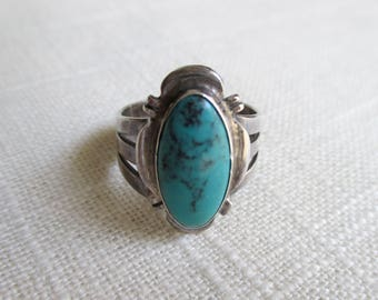 Vintage Sterling Silver and Turquoise Ring - Size 6 3/4