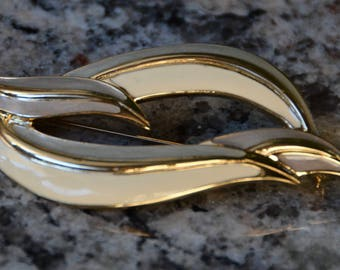 Trifari Signed Brooch Pin Enamel Gold Cream Sage color Lovely !