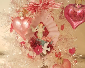 Vintage Valentine Metal Dessert Tin Ornament Pink Vintage Victorian Cherub Ornament With Glitter Heart And Dove Valentine Anniversary Gift