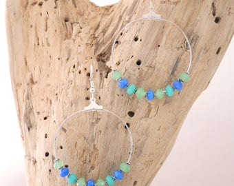 Creole earrings in blue, green and turquoise glass beads and pearls in Silver (BO92)