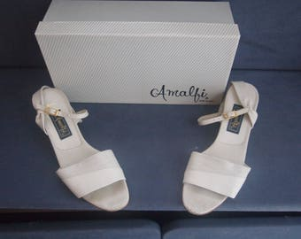 Vintage 70s / 80s Amalfi Sandals  • Low Stacked Wedge  • Leather  • Open Toe • Ankle Strap •  White / Pearl Luster • Made in Italy • 8 1/2 S