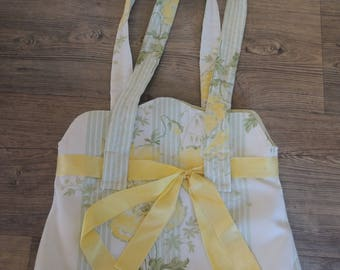 Handbag with shoulder white tones green and yellow