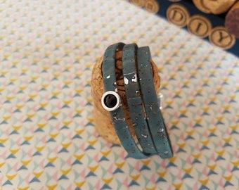 Bracelet three laps in silvery blue Cork