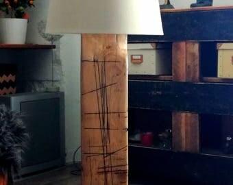 Design light wood, metal base