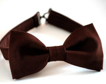 Brown bow tie, men's bow tie dark brown, wedding bow tie, groomsmen bow tie, fall bow tie, ringbearer bow tie, chocolate bow tie, boys tie