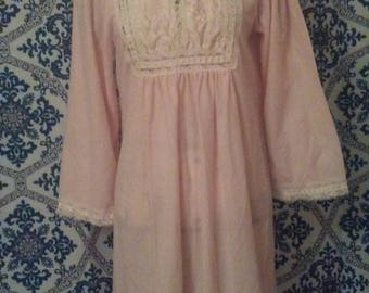 Jacklyn smith flannel shabby chic peach satin lace full length nightgown size small