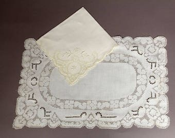 Vintage Open Work Lace Placemat and Napkin Set