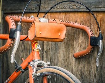 Small bag bicycle leather saddle stitching