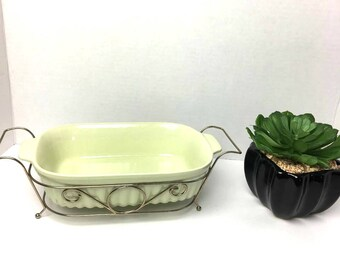 Vintage FTDA 1983 PFALTZGRAFF 32 oz Casserole Baking Dish with metal carrier in light mint color