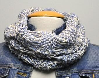 Knit Cotton Drop Stitch Cowl in cornflower/cream