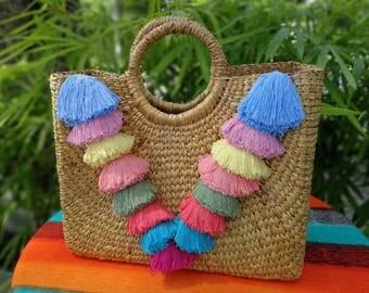 Market tote// straw bag// picnic basket// picnic tote// market bag// beach bag// ( Manee Bag )