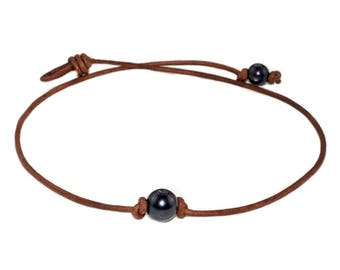 FREE SHIPPING in USA! Pearl Choker Necklace. Genuine Freshwater Black Pearl Choker Necklace on Leather Cord