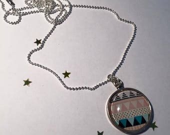"Pendant and necklace mesh ball ""Aztec"" cabochon"
