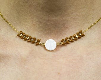 Nephele necklace - caramel glazed ears and round Pearl bead