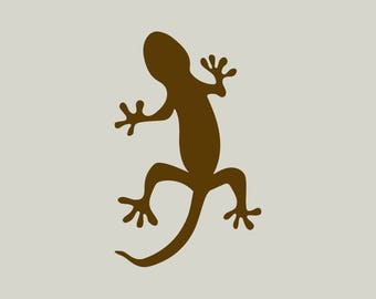 Salamander in adhesive vinyl stencil. (ref 853)