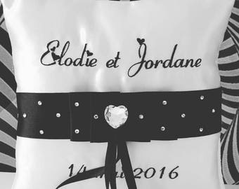 Pillow-bearer with a central Ribbon / black and white / with Rhinestones for wedding chic