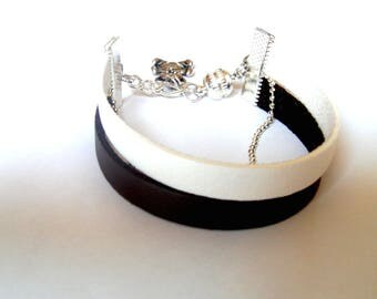 Bracelet leather cuff in black and white