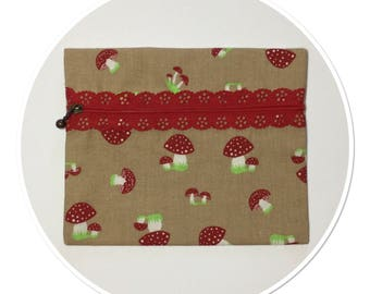 PRINTED MUSHROOMS WITH MATCHING LACE ZIPPER POUCH