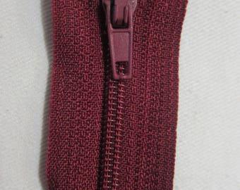 Closure zipper 20 cm not separable Bordeaux
