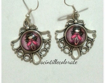 """Earrings """"dollina"""" with Cape and dark hair"""