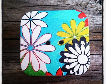 Square wooden daisies pattern - 2 holes buttons wholesale