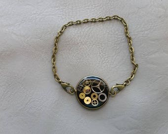 Bracelet metal aspect bronze 2 cm steampunk watch parts and resin