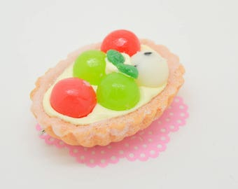 "a tart resin ""candied fruit"""