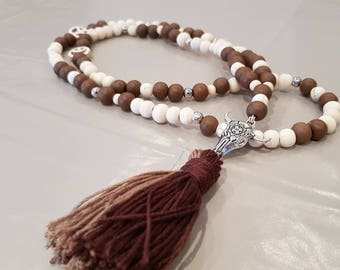 Necklace wooden beads and tassel
