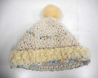 wool Cap Alpaca with a faux fur Pompom
