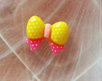 bow tie yellow and pink cabochon scrapbooking