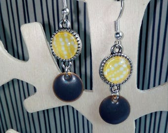 earring cabochon yellow graphic