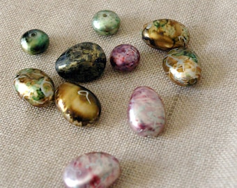 Lot of acrylic vintage beads effect metallic colors